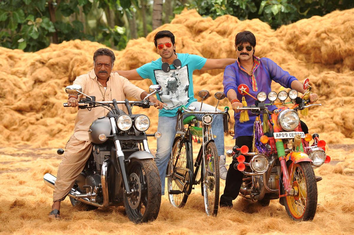 Govindudu Andari Vadele  (2)